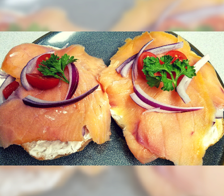 The Perfect 5 Minute Breakfast: Lox and Bagel